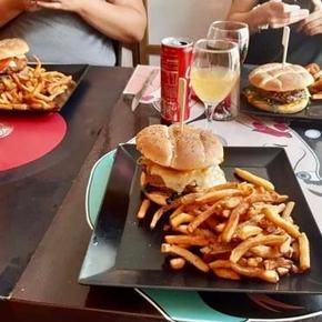 Restaurant burgers faits maison à Carcassonne - La P'tite Table